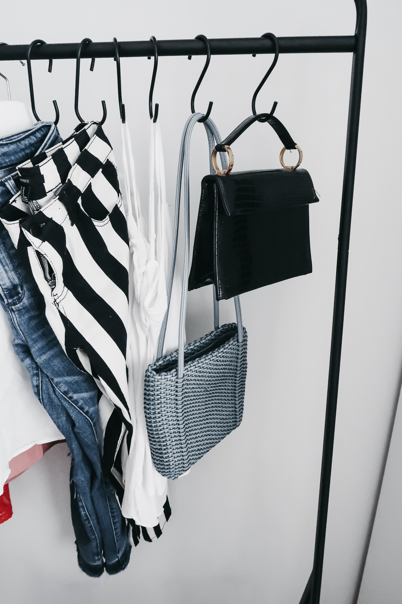 5 Reasons We Are Loving Garment Racks 6