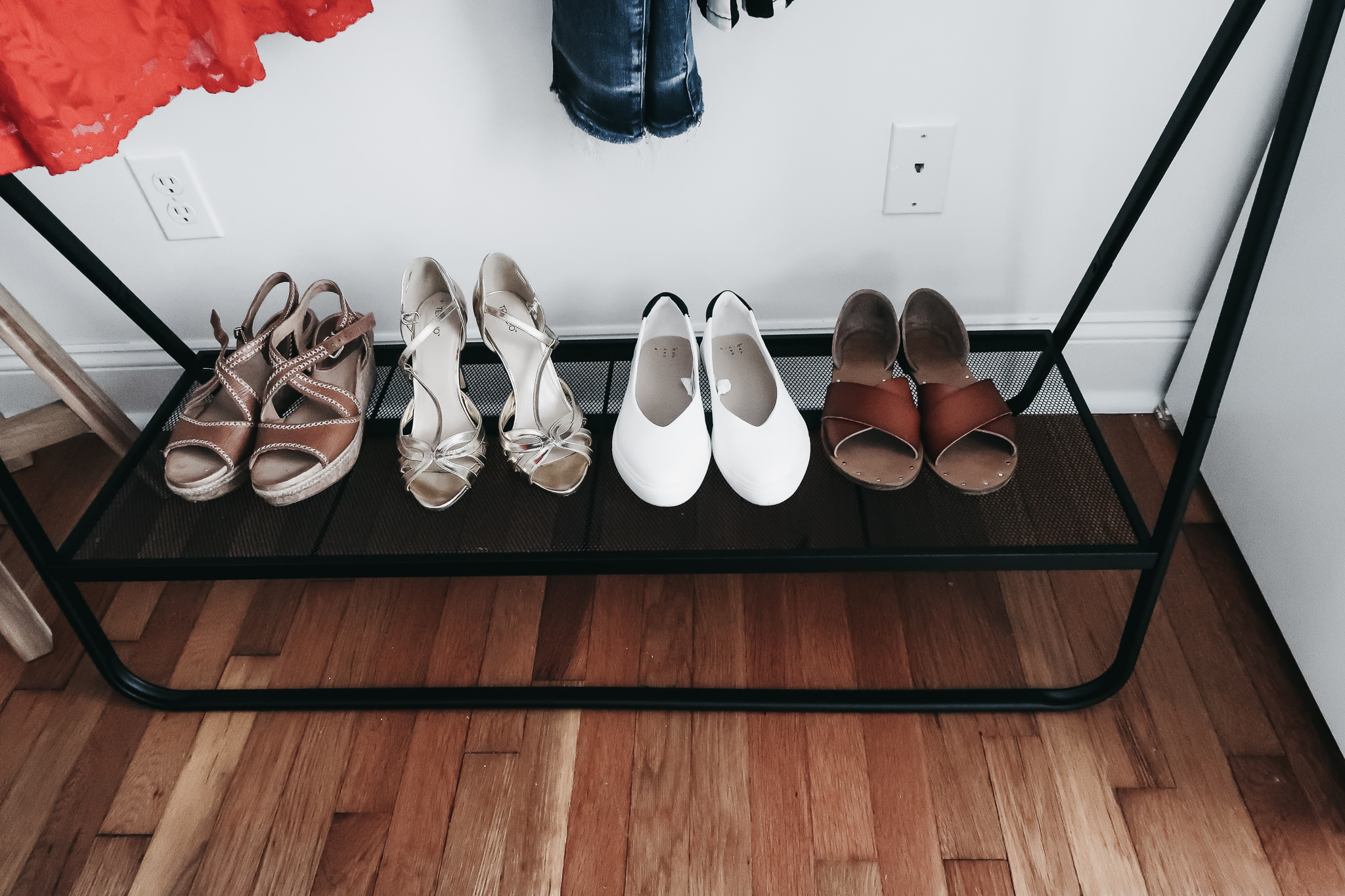 5 Reasons We Are Loving Garment Racks 7