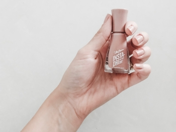 How To Get The Perfect Manicure at Home 2